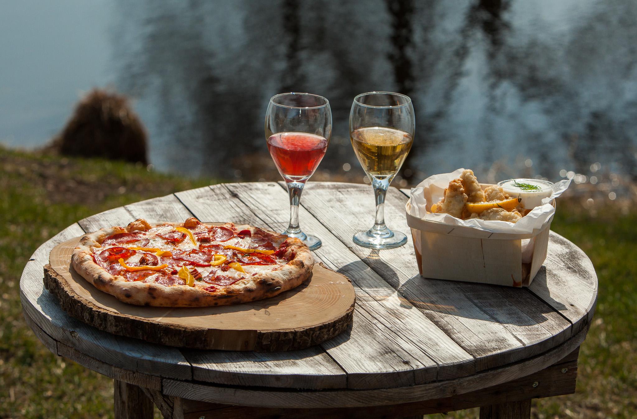veinitee-habaja-Pizza ja Fish & chips hoovikohvikus
